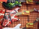 御茶ノ水で「いいなぁ新しいギターほしいなぁ」